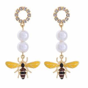Jewelry - Honeybee Earrings